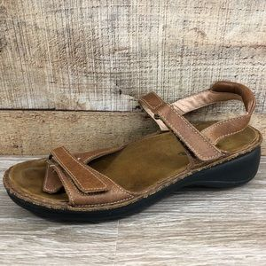 Naot brown sandal strap Velcro leather comfort
